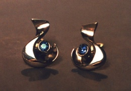 platinum earrings with blue sapphires