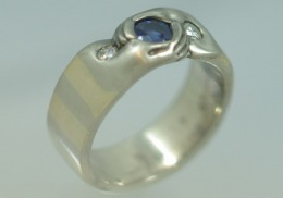 14kt white gold and yellow gold ring