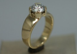 14kt yellow gold ring for diamond