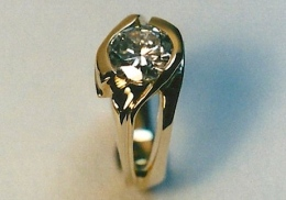 14kt.  Gold Ring, with 1 ct. diamond