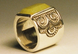 sterling silver ring with yellow jade